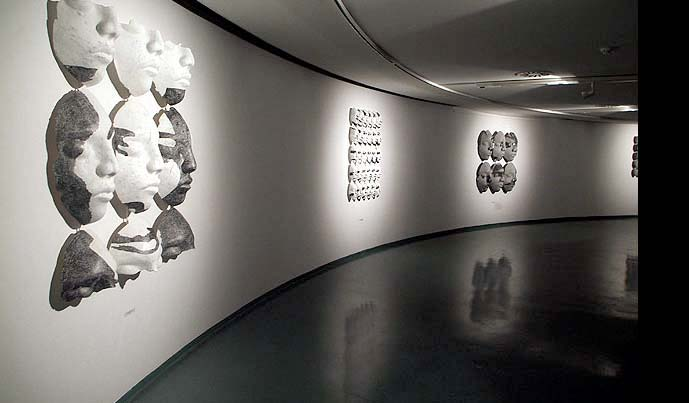 Black Label – 2006 – pogled z rastave / exhibition view – MGNG; Nova Gorica